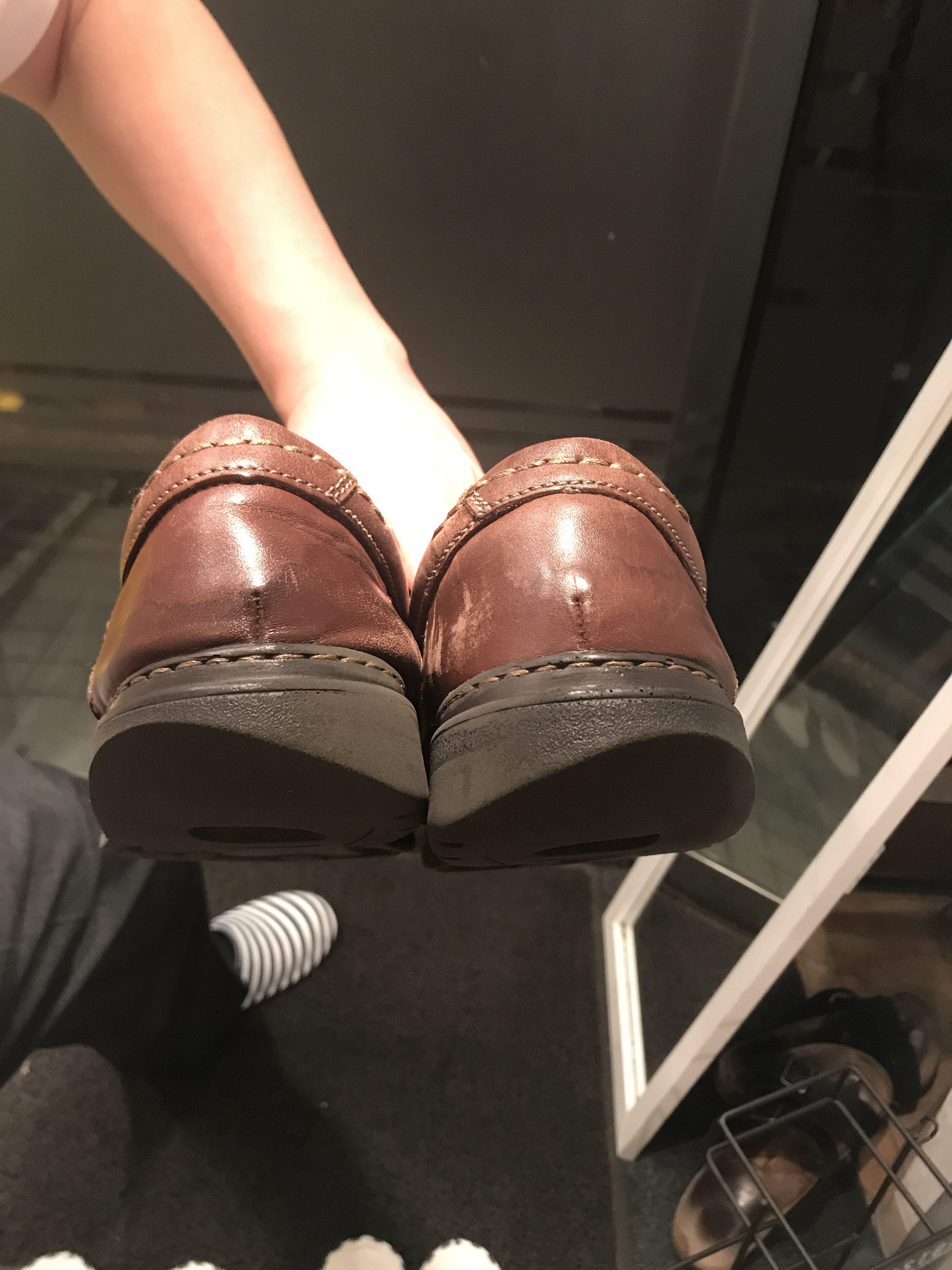 磨り減った靴を履いていたら首が痛くなった話