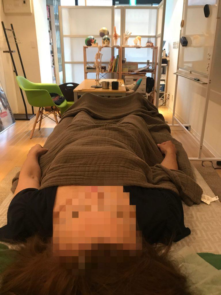 左の股関節痛と膝痛と背骨のゆがみ 豊島区池袋/目白在住の方の症例