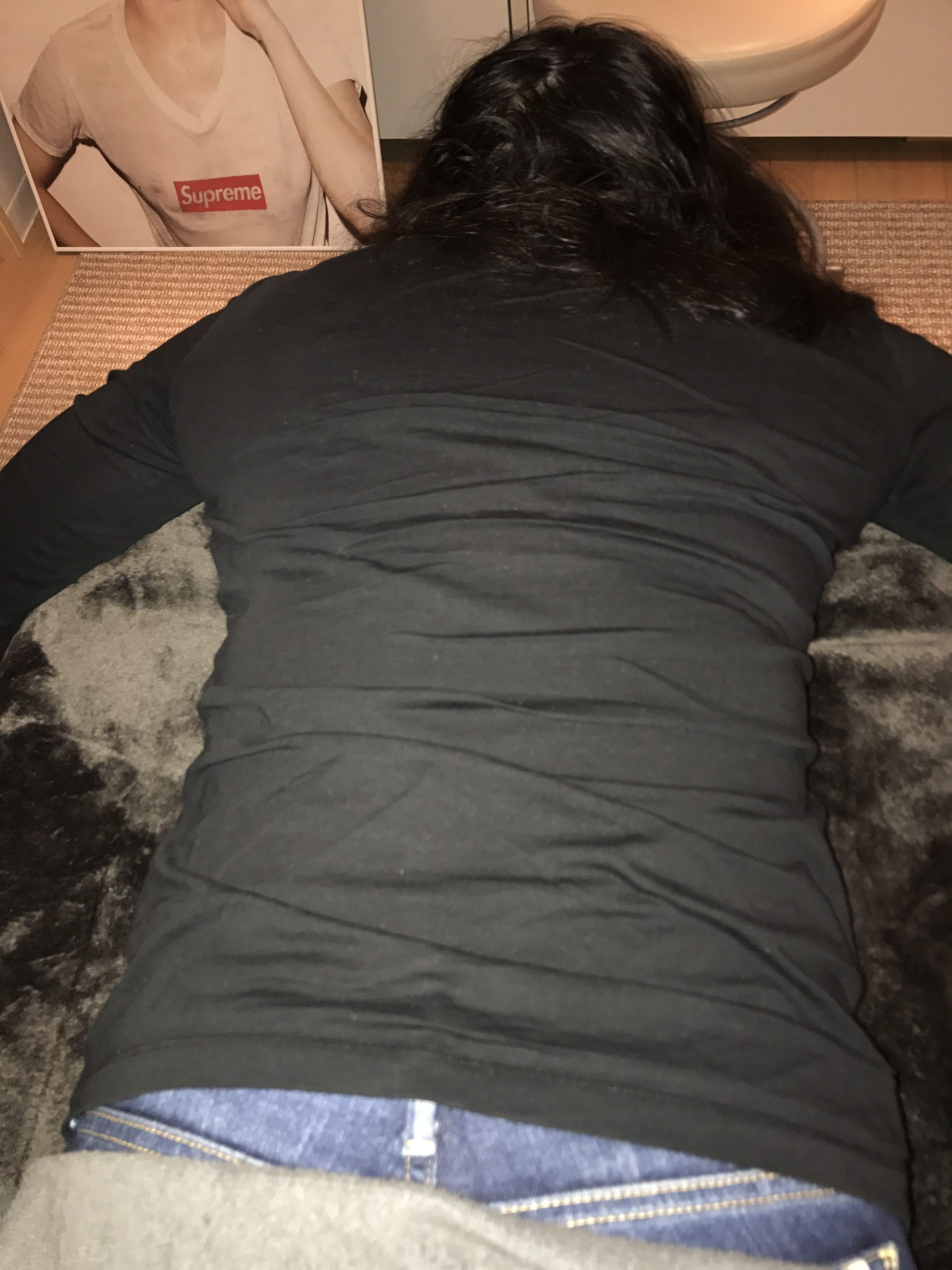 右腰が痛い人は、大半の方が右腰が凹んでいる