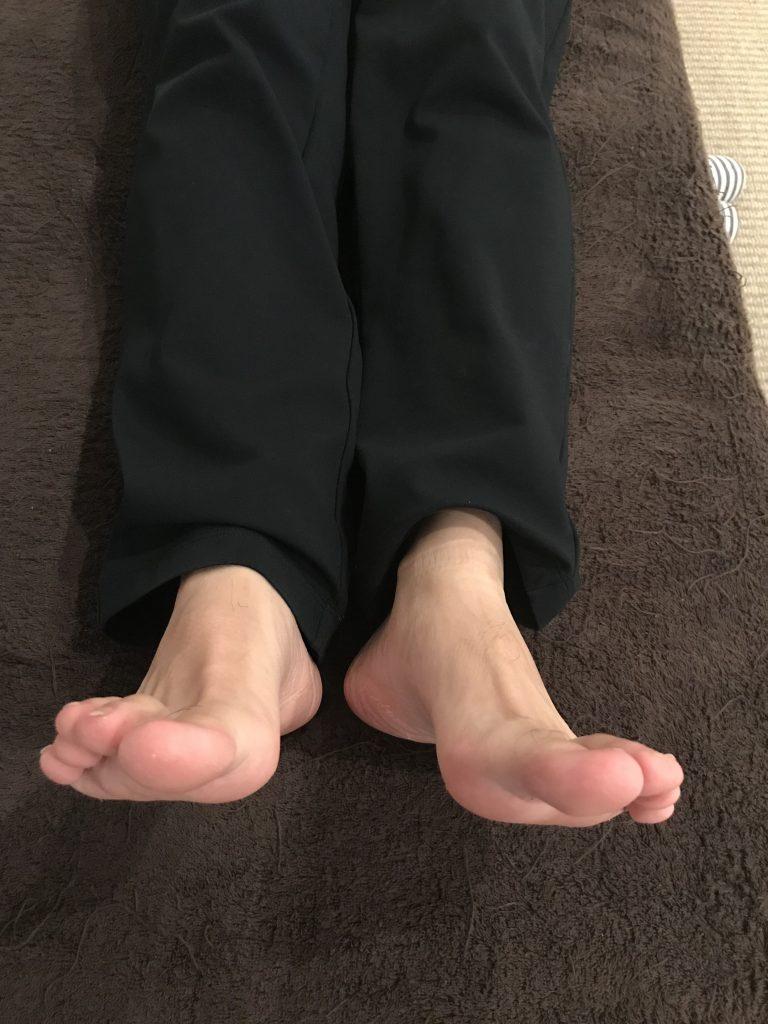 足の指や足の指の付け根が痛い(凹足・ハイアーチ・回外足)の原因と改善法とは?